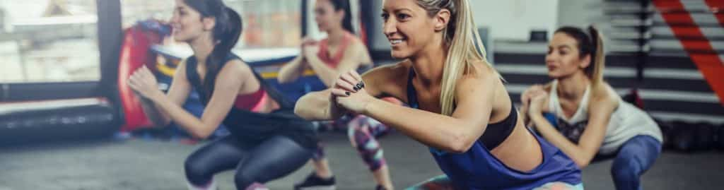 What are the advantages of group fitness